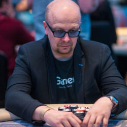 Pokeri ammattilainen Aki Pyysing