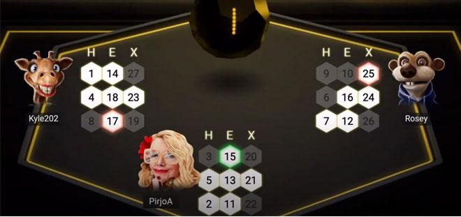 Hexabingo pelissä on kolme pelaajaa